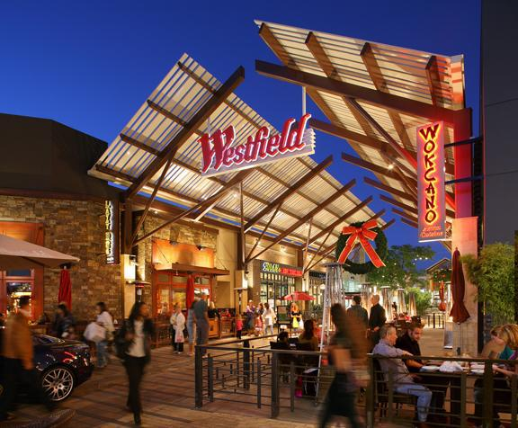 stores closing  doors  westfield valencia town center hometown station khts